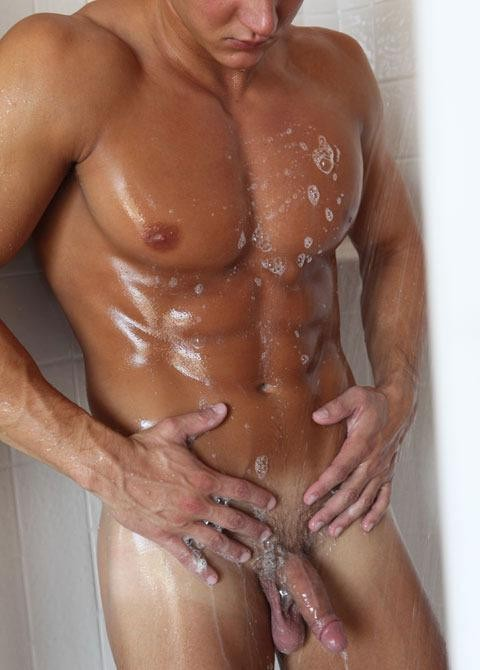 naked man in shower 5starman.com 3