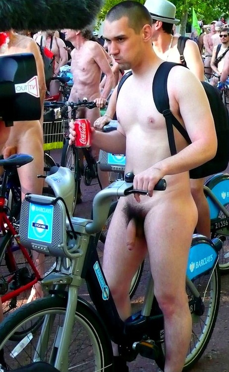 Naked_amateur_guys_728_1