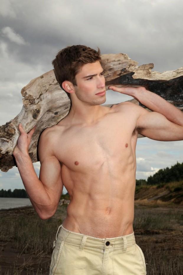 Kyle Wicks (8)
